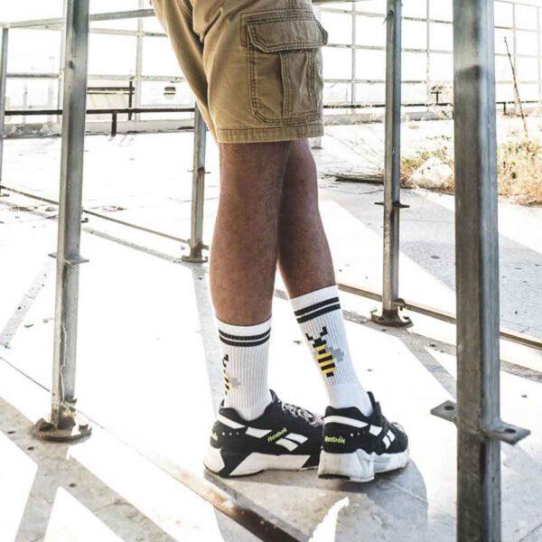 PIXELBEE-WHT-LEGS